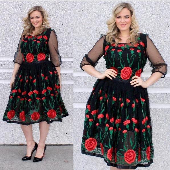 fashion blogger plus size © 2017 Instagram