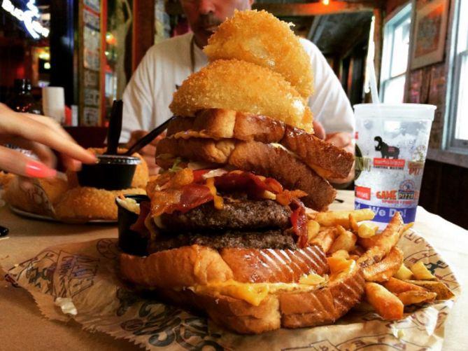 burger jumbo © 2017 brilio.net