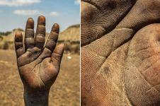 13 Foto telapak tangan pekerja ini bukti kerasnya membanting tulang