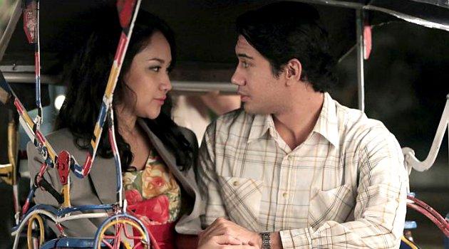Serasi & mesra di film, sayang banget 7 pasang artis ini nggak pacaran