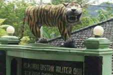 Begini penampakan patung macan Cisewu yang baru diresmikan