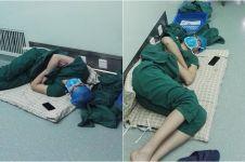 Dokter ini ketiduran di lantai usai lakukan 5 operasi nonstop, salut