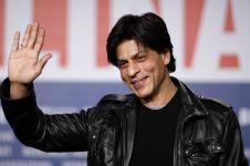 Main film baru, begini gaya Shah Rukh Khan saat syuting True Punjabi