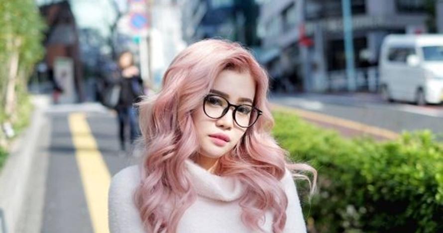10 Foto Stella Lee, beauty blogger asal Indonesia yang sukses mendunia