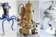 Seniman ubah sampah jadi patung ala sains fiksi, hasilnya estetis abis