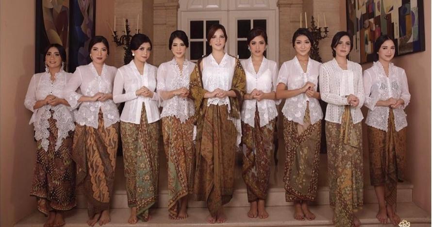 10 Foto perayaan Hari Kartini ala geng girl squad, semuanya cetar!