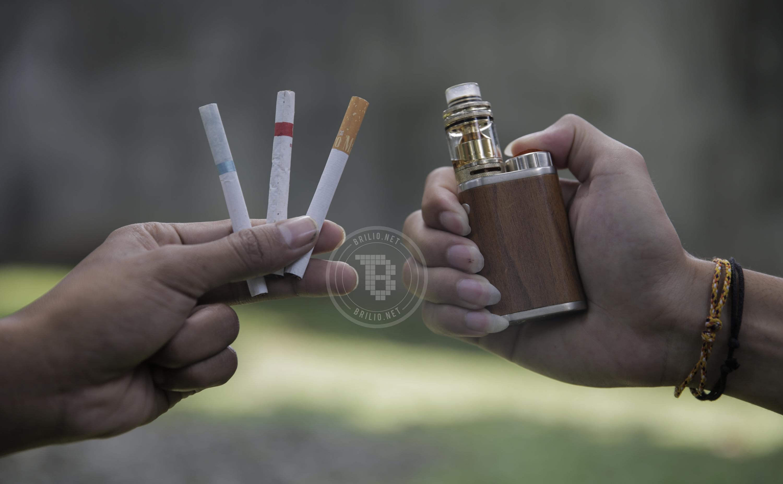 Pro-kontra rokok kretek dan vape di sebagian musisi Jogja