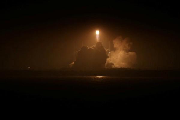 Pesawat kargo antariksa pertama China diluncurkan ke luar angkasa