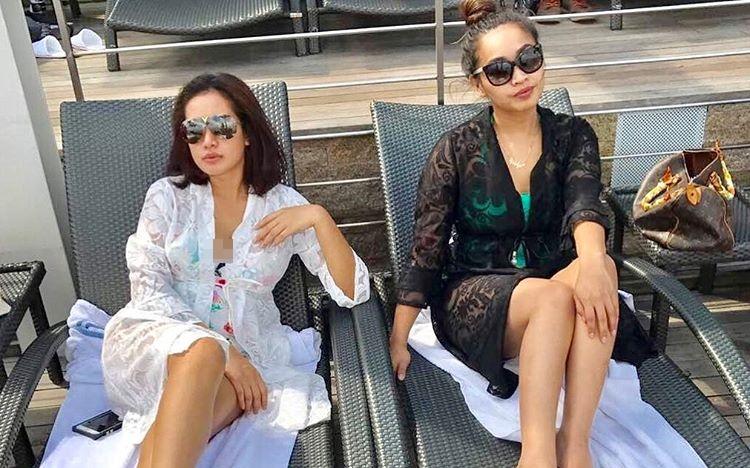 Tak lagi kenakan hijab, Shinta Bachir tampil seksi dengan bikini