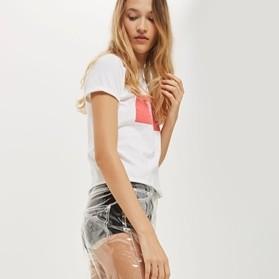 Jeans terbaru ini saking nyelenehnya bikin yang mau pakai mikir-mikir