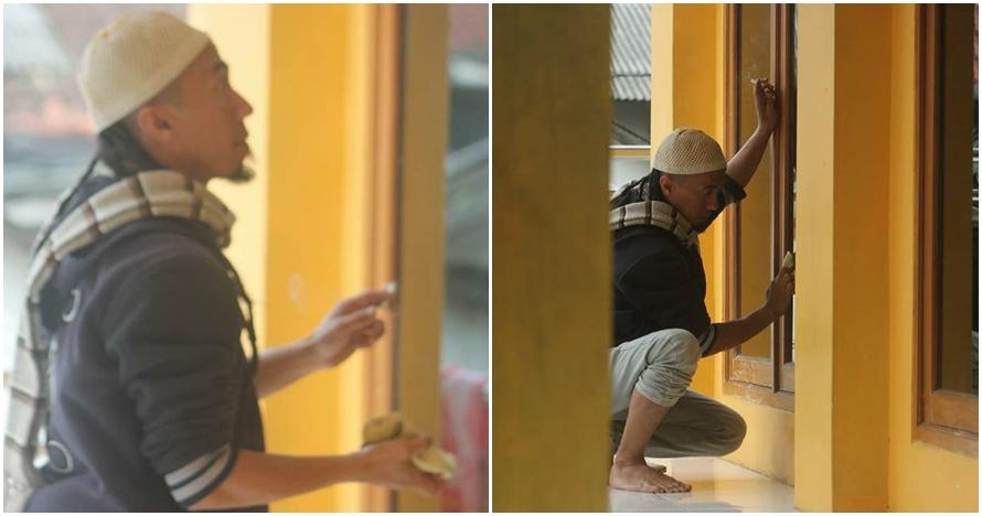 Bersihkan jendela masjid, Yuki Pas Band tuai banyak pujian