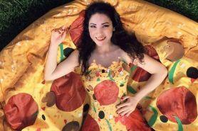 Uniknya 4 gaun ini, desainernya terinspirasi dari makanan cepat saji