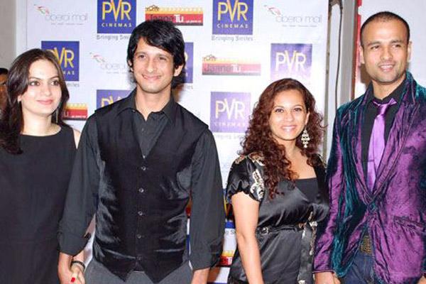 Hubungan Keluarga Bollywood  © 2017 peppy story