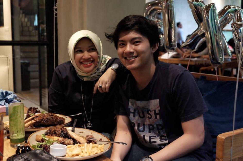 Image Result For Disetubuhi Keponakan Kekar
