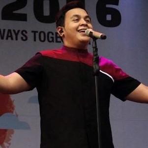 7 Kisah tak terduga di balik karier Tulus sebagai penyanyi top