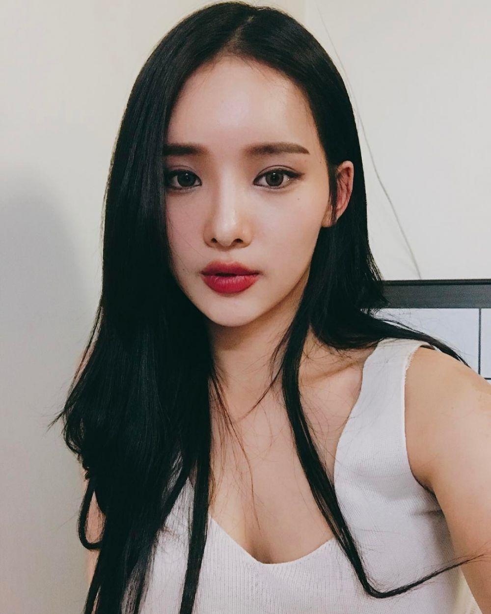 Ji-Seong © 2017 instagram.com/jeee622