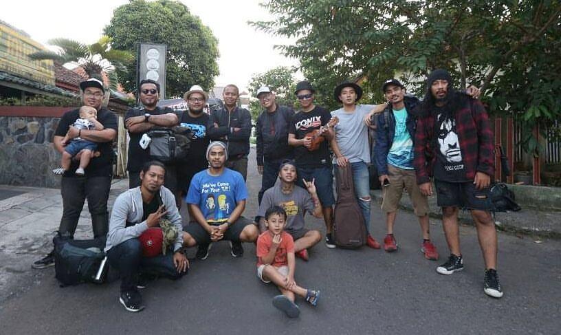 Endank Soekamti rekaman album ke-8, 30 hari naik kapal jelajahi Papua