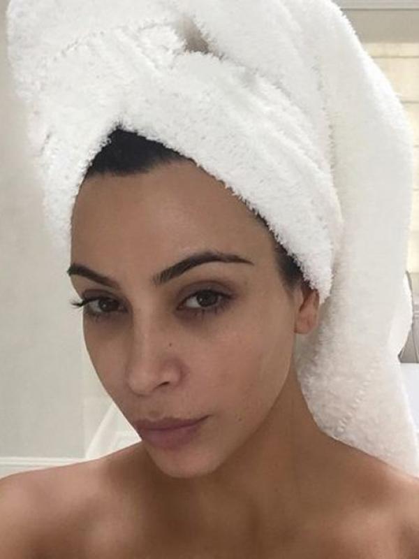 Foto Telanjang Kim Kardashian Mau Mandi
