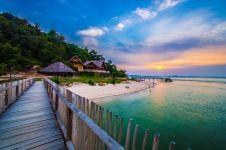 10 Potret indahnya Telunas Private Island, pulau di Riau yang memesona