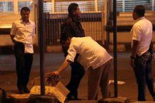 Berurai air mata, ibu korban bom Kampung Melayu datangi rumah sakit
