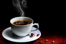 Lagi ngetren minum kopi jamur, ini lho bahan pembuatnya