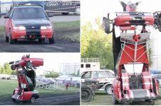 Ayah dan anak ini ciptakan mobil Transformers, bentuknya bikin takjub