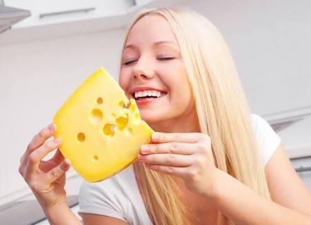 Benarkah mengonsumsi keju bisa mengakibatkan kegemukan?