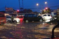 Banjir rendam 9 kecamatan di Padang, anak sekolah diliburkan