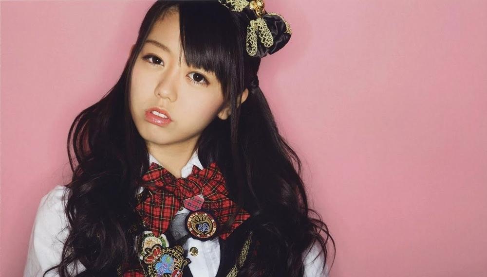 Tanya soal oplas ke aktor Korea, member AKB48 ini dihujat netizen