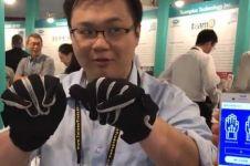 Sarung tangan pintar ini canggih, bisa ubah bahasa isyarat jadi teks