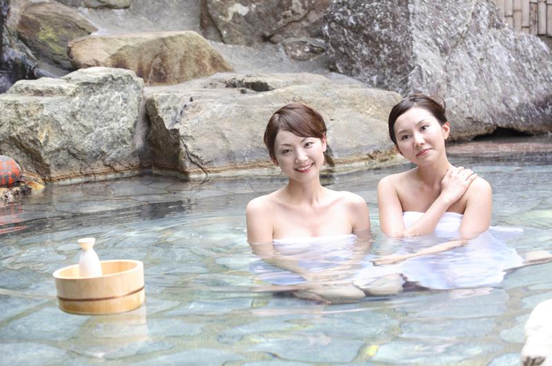 Orang bertato dilarang ke pemandian air panas di Jepang, kenapa ya?