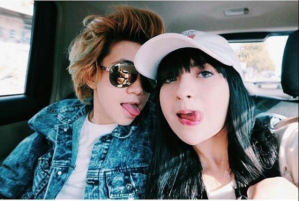 Cuek disebut penyuka sesama jenis, begini kedekatan Dera & Yuniza Icha