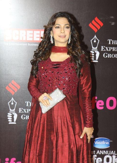Outfit Lebaran Ala Bollywood Seleb © 2017 brilio.net