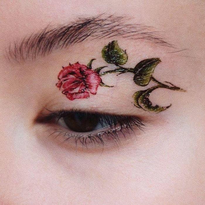 eye & lip tattoo  © 2017 berbagai sumber