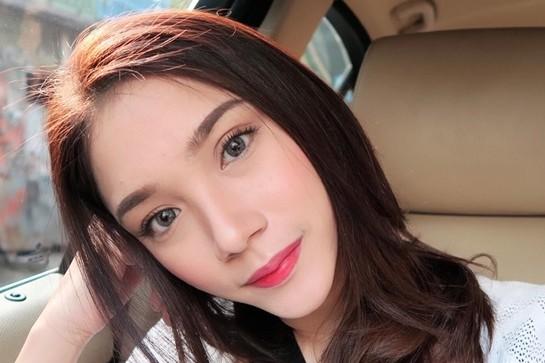 Stefany Talita, calon dokter gigi cantik sekaligus beauty vlogger hits