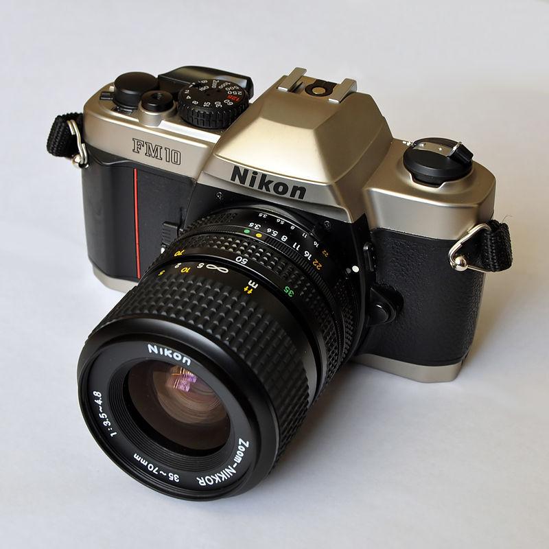 9 Kamera analog ini masih banyak disukai para pecinta fotografi
