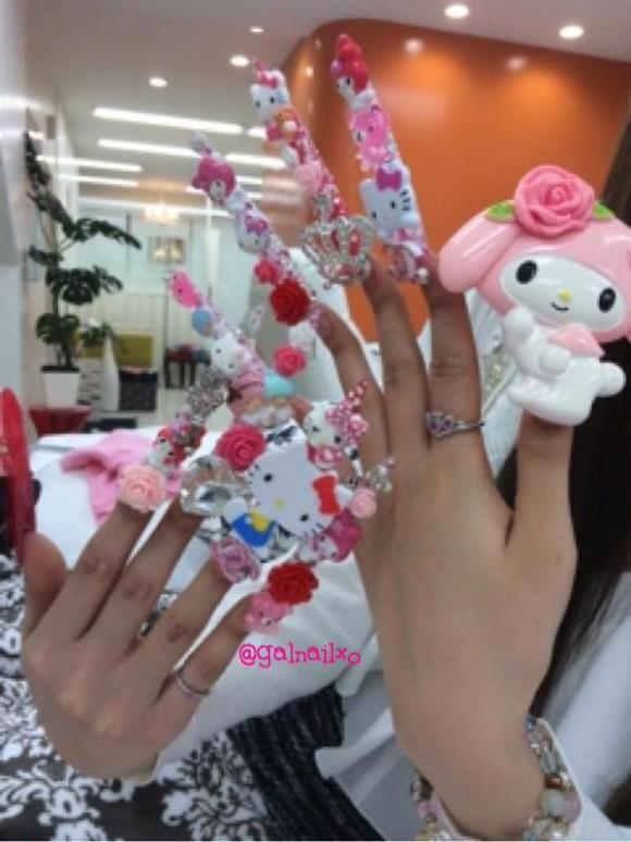 Tren Nail Art Absurd Jepang Pop  © 2017 brilio.net