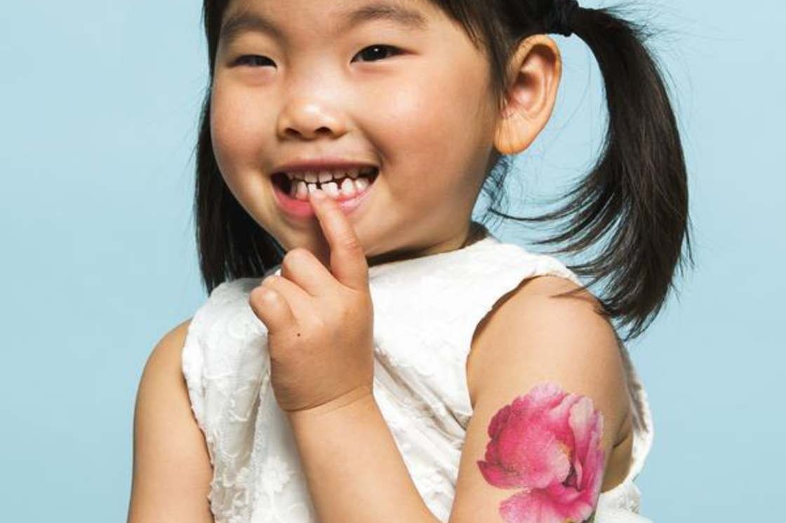 Indah dan aman, tato ini diminati orang dewasa hingga anak kecil