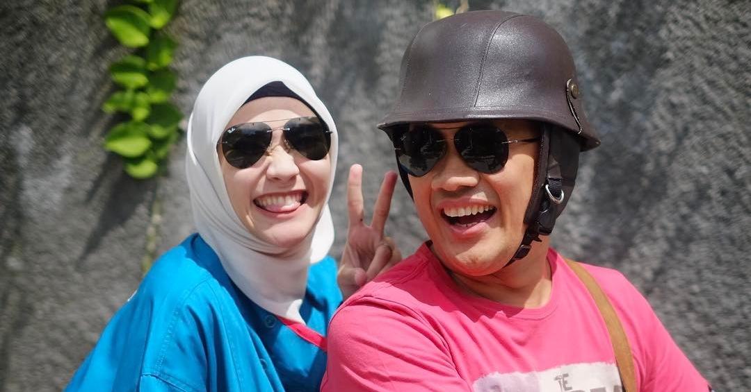 11 Foto bukti Hanung & Zaskia Mecca selalu pamer kemesraan setiap saat