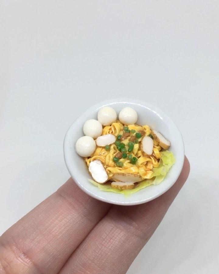 miniatur makanan ini detailnya keren abis © 2017 instagram/@jujulovesminis