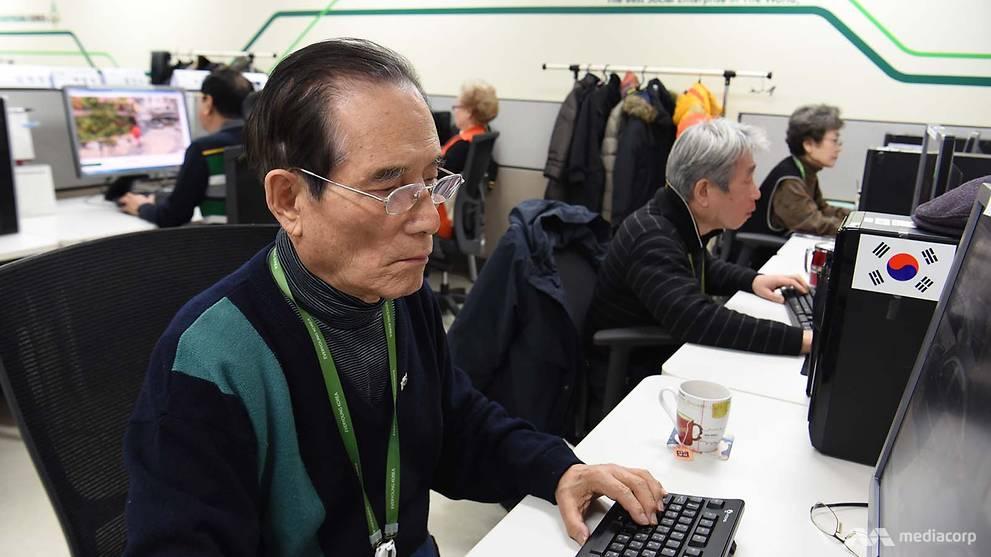 Perusahaan ini semua pegawai berumur di atas 55 tahun, wow banget