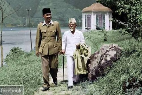 5 Foto langka Bung Karno & H.Agus Salim dalam pengasingan di Brastagi