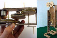 Modal dinamo bekas & kertas kardus, kamu bisa bikin robot berjalan ini