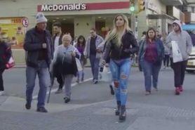 Kisah di balik jeans seksi model cantik ini bakal bikin kamu terkejut