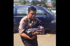 Salut, polisi bantu persalinan pemudik di tol Cipali