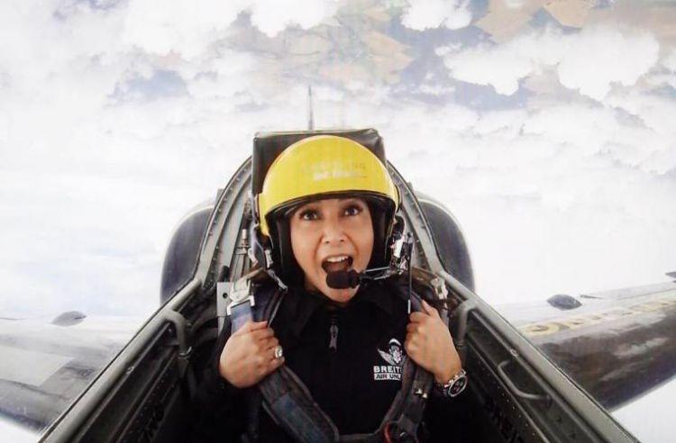 750xauto 8 foto maia estianty naik jet tempur di prancis nyalinya top banget 170703v - Tidak Sembarang Orang Bisa, Maia Estianty Naik Jet Tempur Prancis