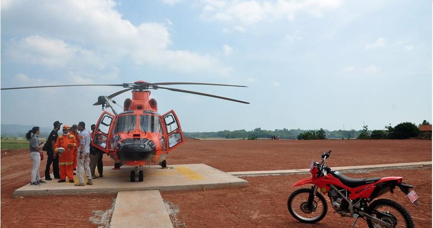Kisah jurnalis yang terbang dua jam dengan heli Basarnas sebelum nahas