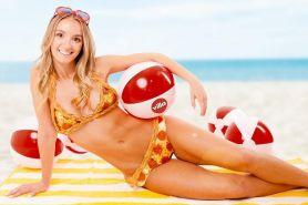 Bikini dibuat dari pizza asli ini dibanderol harga Rp 133 juta, wow