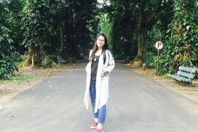 9 Foto sederhananya outfit Kahiyang putri Jokowi, kamu bisa tiru