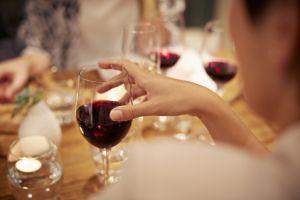 Ciptakan rasa lebih lezat, wine ini disimpan di dasar laut, wow!